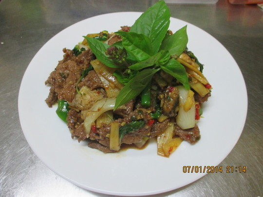 38. Pad Ka Praw (Stir Fried Basil Leaves with Chilli)